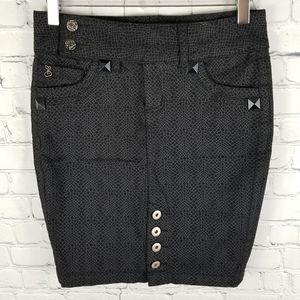 FOXY JEANS   stretchy button detail pocket skirt